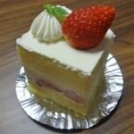 16281904 - 苺のショートケーキ(450円)