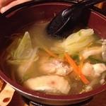 七味屋 - 鶏鍋。