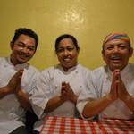 ガムランディー - チャン・ユピン・タムのコンクロンファミリーがおいしいタイ料理を約束します