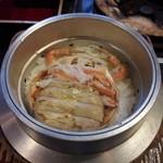 16287277 - 香箱蟹の釜飯(最初の状態)