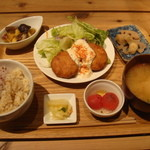 ムモクテキカフェアンドフーズ - 豆腐ステーキハンバーグ950円