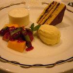 パノラミックレストラン ル・ノルマンディ - ノルマンディ特製、デザートの盛り合わせ