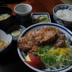 お食事処 山どり - 鶏のから揚げ定食