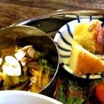 ガネーシュ - 部分。小鉢とデザート