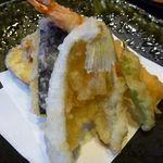 お料理みつやす - ◆天ぷら・・海老・キス・丸十・茄子。カラッと揚がっています。