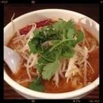 刀削麺荘 唐家 - 麻辣刀削麺 680円  2012.12.11