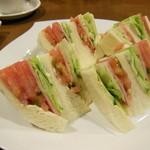 支留比亜 - 野菜サンド(H24.11.23)