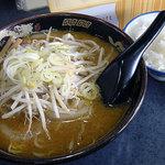 蝦夷 - 味噌ラーメン680円+ライス150円