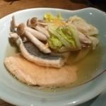 はたごや - 2012.12 鍋はサーモン、豚ばら肉、つみれなど