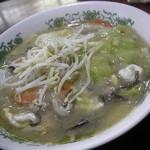 川崎屋 - ビーフンとは名ばかり。。餡かけ中華そばでした。 具材たっぷりで旨し♪
