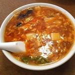 中国料理聚仙 - 今日は、熱々の酸辣湯麺を頂きました。 少し、麺が硬かったかな ( ̄O ̄