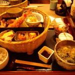 かんながら - こよみ篭懐石 税込1,354円(2012.11月)