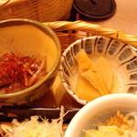 かんながら - 牛ステーキのニンニクバター醤油炒め・小鉢(2012.11月)