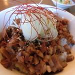 ラーメン屋 Hi-BRi - ランチのミニチャーシュー丼(160円)