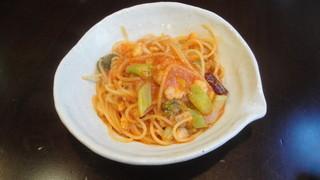 ギンザ タッポ - 本日のスパゲティの鱈とブロッコリーのトマトソース
