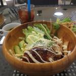 ボラ ボラ - ハワイアンロコモコランチ¥930(サラダ、スープ、ドリンク付き)