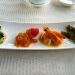 中国料理 「望海楼」 - 季節前菜盛り合わせ・帆立のネギソース(美味しい)・クラゲ(質のいいクラゲで少しピリ辛のお味付けもいいですね)  海老(辛子マヨネーズで)・インゲン