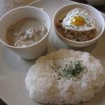 フリーバード - これに、サラダ、スープ、ドリンク付き