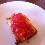 16326394 - ガーリックトーストにトマトを乗せたブルスケッタ