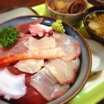 16326435 - 海鮮丼