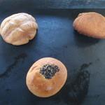 遠藤製パン所 - 料理写真:3種のパン