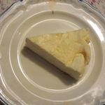 16329423 - 濃厚スフレ♡チーズケーキ♡260円( ´艸`)