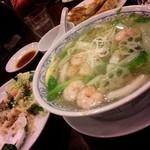 16329928 - エビ海鮮とろり麺・五目炒飯・餃子