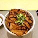 炭焼ぶた丼 豚郎 - ロース丼、小