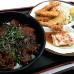 らっきー - 鉄火丼とイカフライ