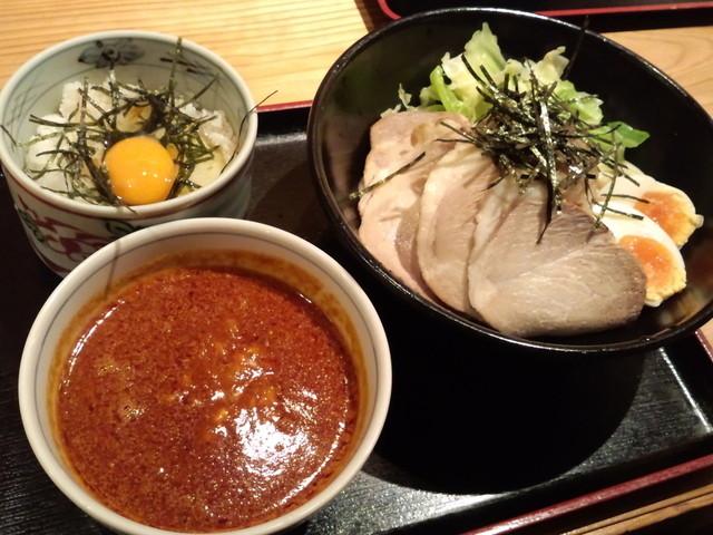 御○屋 - 「チャーシュ-つけ麺」880円と「玉子かけ御飯」250円