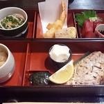 蔵喜 - ランチA¥950.コーヒー付き。真ん中のお豆腐がとても美味しい。