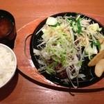 16340460 - たっぷりねぎ塩ハンバーグ&味噌汁セット