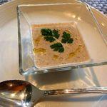 イル・ソーニョ - アミューズ:キノコのポタージュ・・キノコの風味が生きた美味しいポタージュです。少量なのが残念。