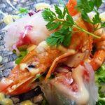 イル・ソーニョ - 冷前菜:魚介のサラダ仕立て・・・海老・帆立・鯛などがふんだんに使われています。マヨネーズ風味のドレッシングも美味しい。
