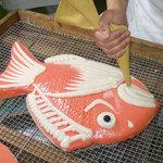 梅かま - 職人の技が活きる飾り・細工かまぼこ見学