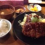 睦巳 - ロースかつ定食