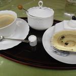 ベーカリーカフェ 江戸屋 - ケーキセット