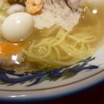 上海楼 - 麺とスープ