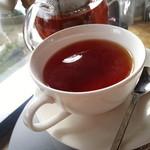 玉ねぎ倉庫跡地志知カフェ - 紅茶