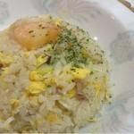 中華料理 東京 五十番 - チャーハン。プリプリ海老がアクセント。