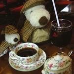 英国パブ シャーロックホームズ - 食後のコーヒー。ミントンの食器だよ。