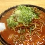 ラーメン翔 - 激辛ラーメン50丁目 味噌味、太麺