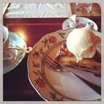 風の家 - アップルパイとコーヒー