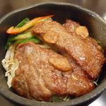 どんどん - 牛ステーキ丼(ロース)