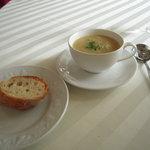 カジュアルフレンチ Sincerite - キャベツと海老のスープ+バゲット