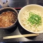 沖縄そば専門店 新風そば   - つけ麺の豚骨マー油(750円)にしました。