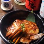居酒屋 あんじ - 鯛のあらだき。お酒に合う一品料理も豊富にご用意しております!