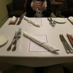 アルティジャーノ - 綺麗にそろえたテーブルウエア