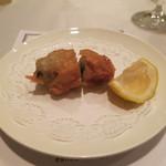 アルティジャーノ - 「カキの自家製ベーコン巻きフリット熊谷産ゆずを添え」
