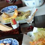 蕎麦 阿き津 - 胡椒、ローズソルト。<2012_12>